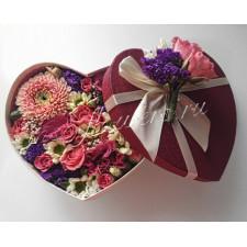 """Цветы в коробке """"Миниатюрное сердечко"""""""